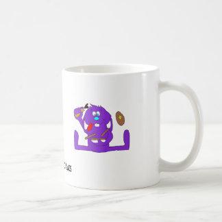 Conejo del dibujo animado con las crepes taza de café