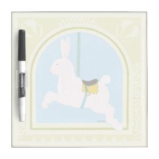 Conejo en junio Erica Vess del carrusel Tablero Blanco