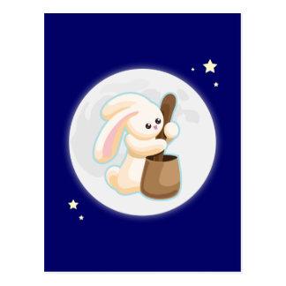 Conejo en la luna tarjeta postal