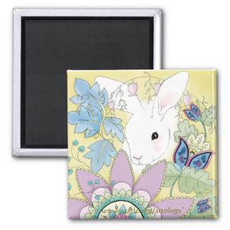 Conejo floral, blanco de oro (imán cuadrado) imán cuadrado