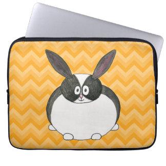 Conejo holandés blanco y negro fundas computadoras
