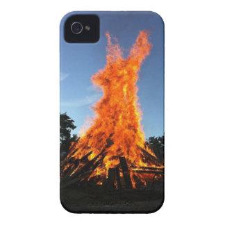 conejo inflamable de pascua Case-Mate iPhone 4 protectores