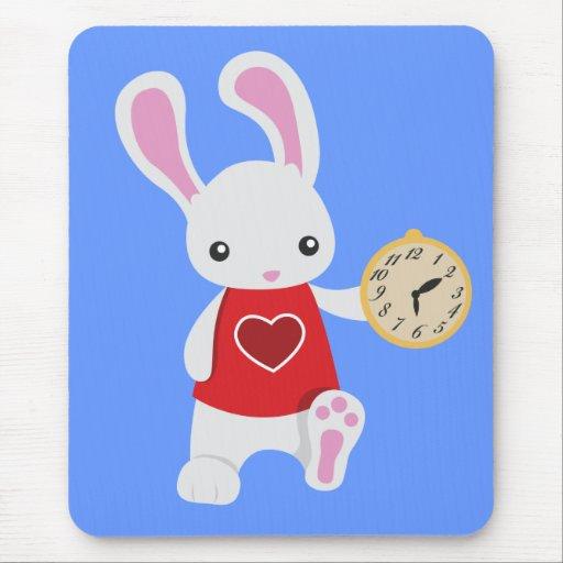 Conejo lindo del blanco del país de las maravillas alfombrilla de ratón