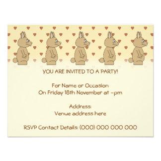 Conejo marrón claro lindo invitaciones personalizada