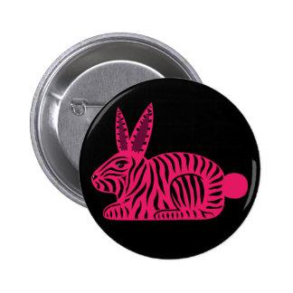 Conejo rosado de la cebra pin redondo de 2 pulgadas