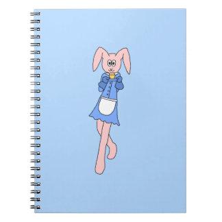Conejo rosado que lleva un Cupcake. Libro De Apuntes Con Espiral