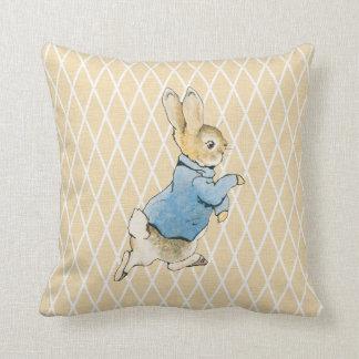 Conejo y amigos cojin