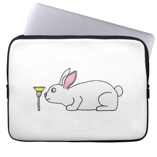 Conejo y flor blancos funda portátil