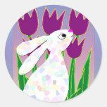 Conejo y tulipanes pegatinas redondas