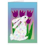 Conejo y tulipanes tarjeton