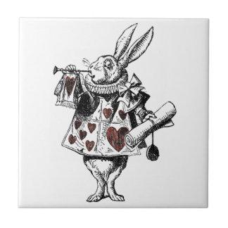 Conejos blancos de los corazones - Alicia en el pa Azulejo Cuadrado Pequeño