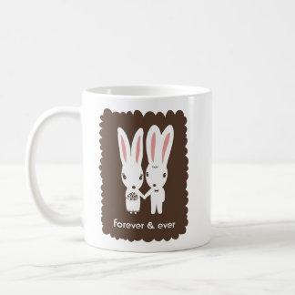 Conejos de conejito novia y novio con el texto de  taza