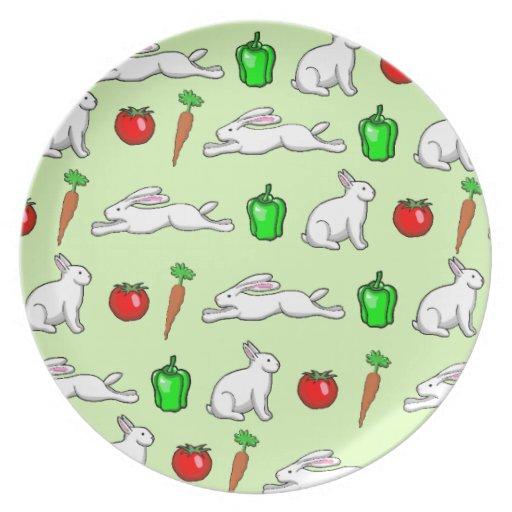Conejos en el huerto plato