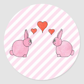 Conejos rosados con los corazones pegatinas redondas