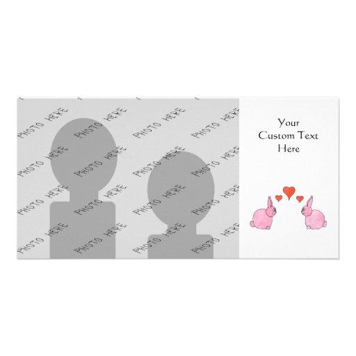 Conejos rosados lindos con los corazones rojos del tarjetas fotográficas personalizadas