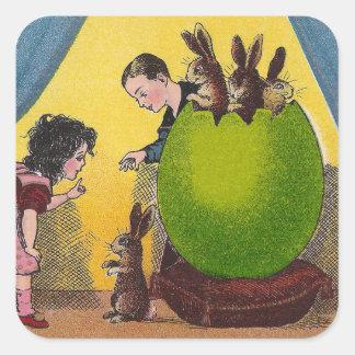 Conejos y vintage verde gigante del huevo de pegatina cuadradas personalizadas