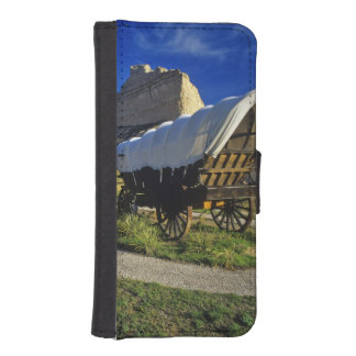 Conestoga wagon at Scottsbluff National iPhone SE/5/5s Wallet Case