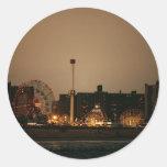 Coney Island en la noche Etiqueta Redonda