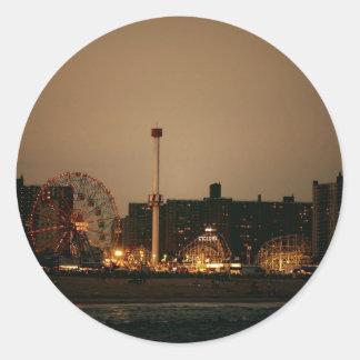 Coney Island en la noche Pegatina Redonda