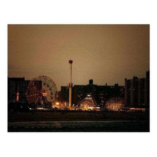 Coney Island en la noche Tarjetas Postales
