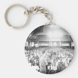 Conferencia en la imagen de S.A.T.C. Tuskegee Llavero Redondo Tipo Pin
