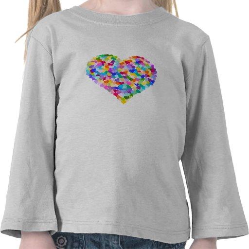 Confeti de los corazones del arco iris camiseta