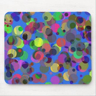 Confetis coloridos sobre azul alfombrillas de ratón