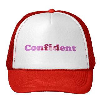 Confiado deletreado con rosa florece los gorras