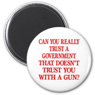 Confianza blanca del gobierno usted con el arma iman para frigorífico
