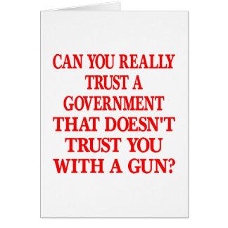 Confianza blanca del gobierno usted con el arma tarjeta de felicitación