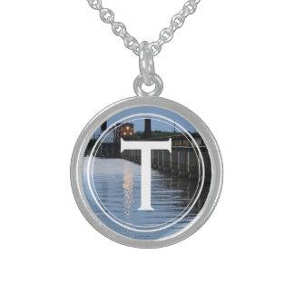 Confianza del monograma su personalizado de la collar de plata esterlina