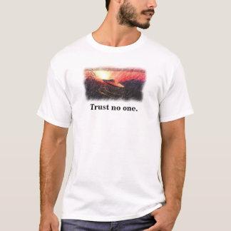 confianza del UFO de los x-ficheros nadie camiseta