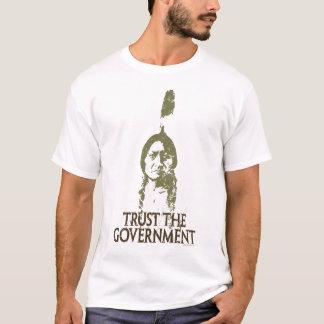 Confíe en al gobierno playera