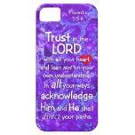 Confíe en en el 3:5 de señor Proverbs - púrpura cr iPhone 5 Carcasa
