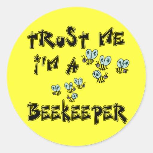 Confíe en que yo es apicultor pegatina redonda