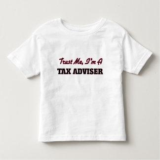 Confíe en que yo es consejero de impuesto tshirt