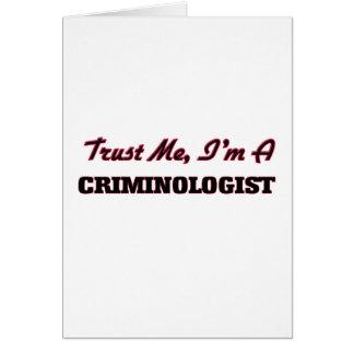 Confíe en que yo es criminalista tarjetas