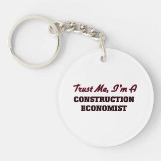 Confíe en que yo es economista de la construcción llaveros