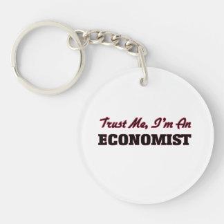 Confíe en que yo es economista llavero