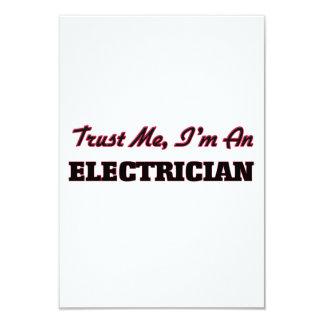 """Confíe en que yo es electricista invitación 3.5"""" x 5"""""""