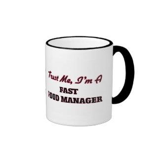 Confíe en que yo es encargado de los alimentos de tazas de café