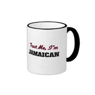 Confíe en que yo es jamaicano tazas de café