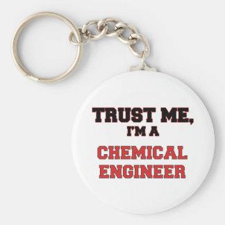 Confíe en que yo es mi ingeniero químico llavero redondo tipo pin