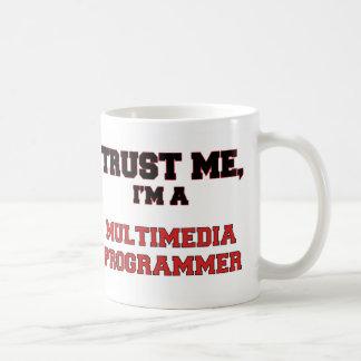 Confíe en que yo es mi programador de las multimed taza