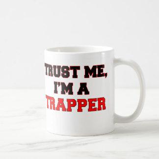 Confíe en que yo es mi trampero tazas de café
