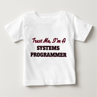 Confíe en que yo es programador camisas