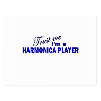 Confíe en que yo es un jugador de la armónica tarjeta postal