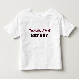 Confíe en que yo es un muchacho del palo playera de bebé