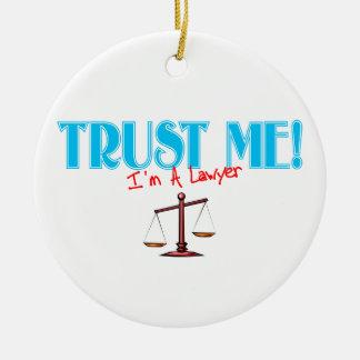 Confíe en que yo es un ornamento del abogado ornamento para reyes magos