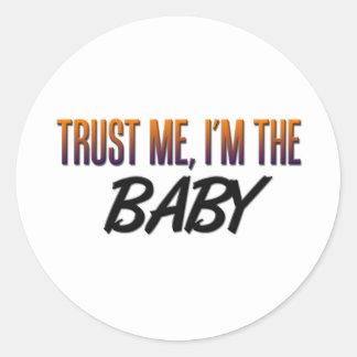 Confíeme en bebé pegatina redonda